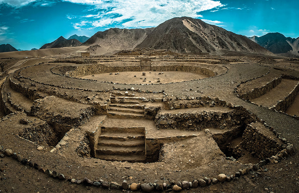 Ancient city of Caral - LAS ADVENTURE